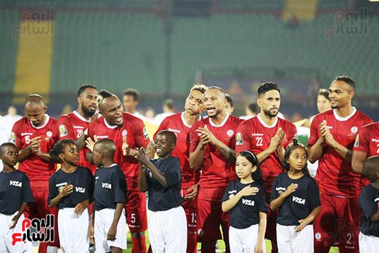 تونس ومدغشقر (130)