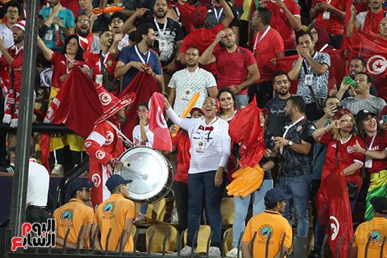 تونس ومدغشقر (107)