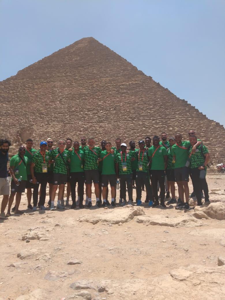 فريق منتخق جنوب أفريقيا   فى الاهرامات (2)