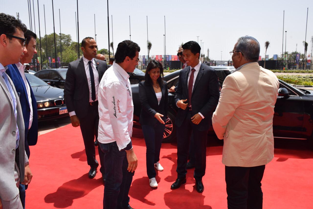 رئيس مدغشقر عند وصوله استاد القاهرة