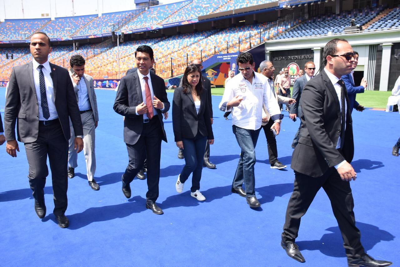 رئيس مدغشقر فى زيارة لاستاد القاهرة