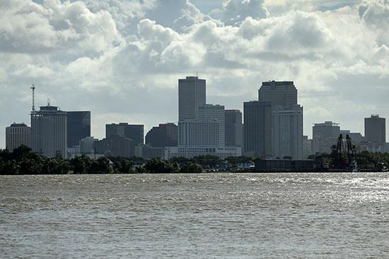 مخاوف من فيضانات فى مدينة نيو أورليانز الأمريكية