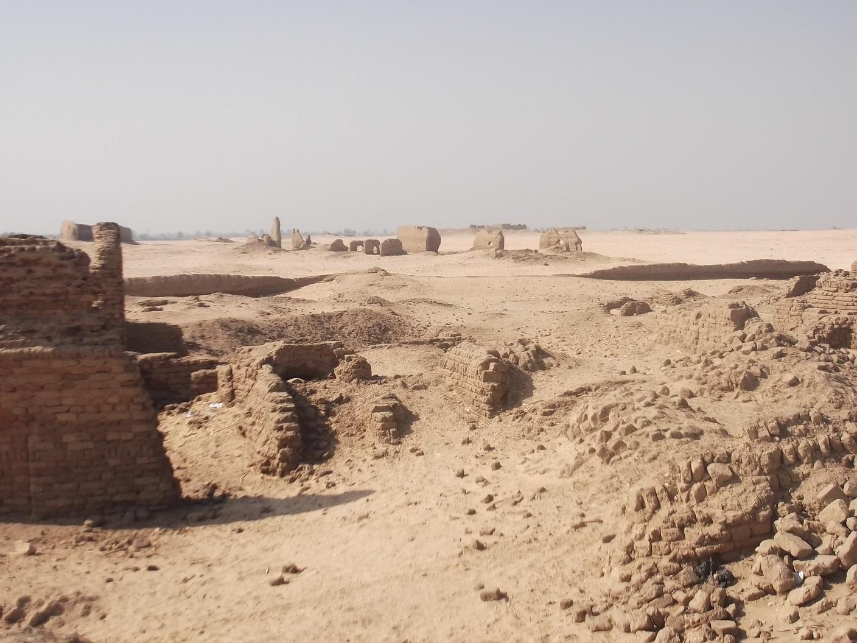 اطلال مدينة انصنا والشيخ عباده