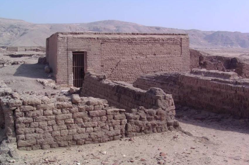 الغرفة التي يعتقد أنها لزوجة الرسول في منطقة الشيخ عبادة الأثرية