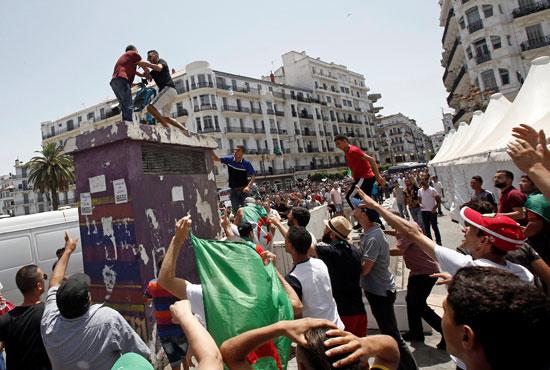 احتجاجات بالجزائر