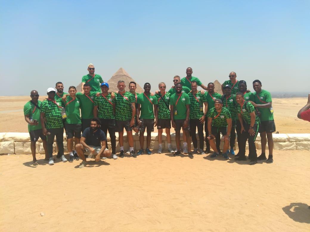فريق منتخق جنوب أفريقيا   فى الاهرامات (1)