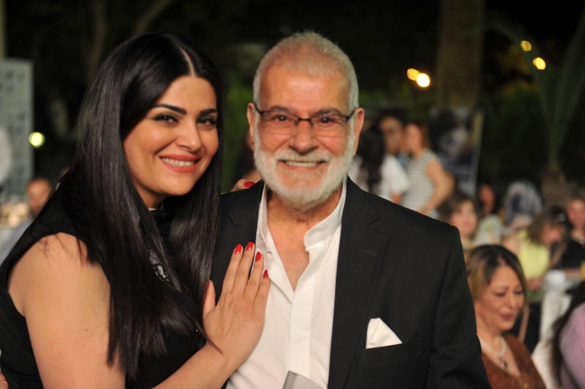 مزنة الاطرش مع والدها الكاتب والفنان ممدوح الاطرش