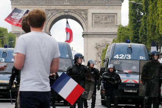 انتشار-للشرطة-الفرنسية