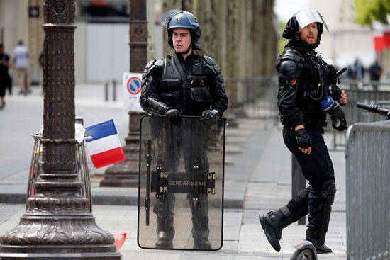 انتشار-للشرطة-الفرنسية-فى-باريس