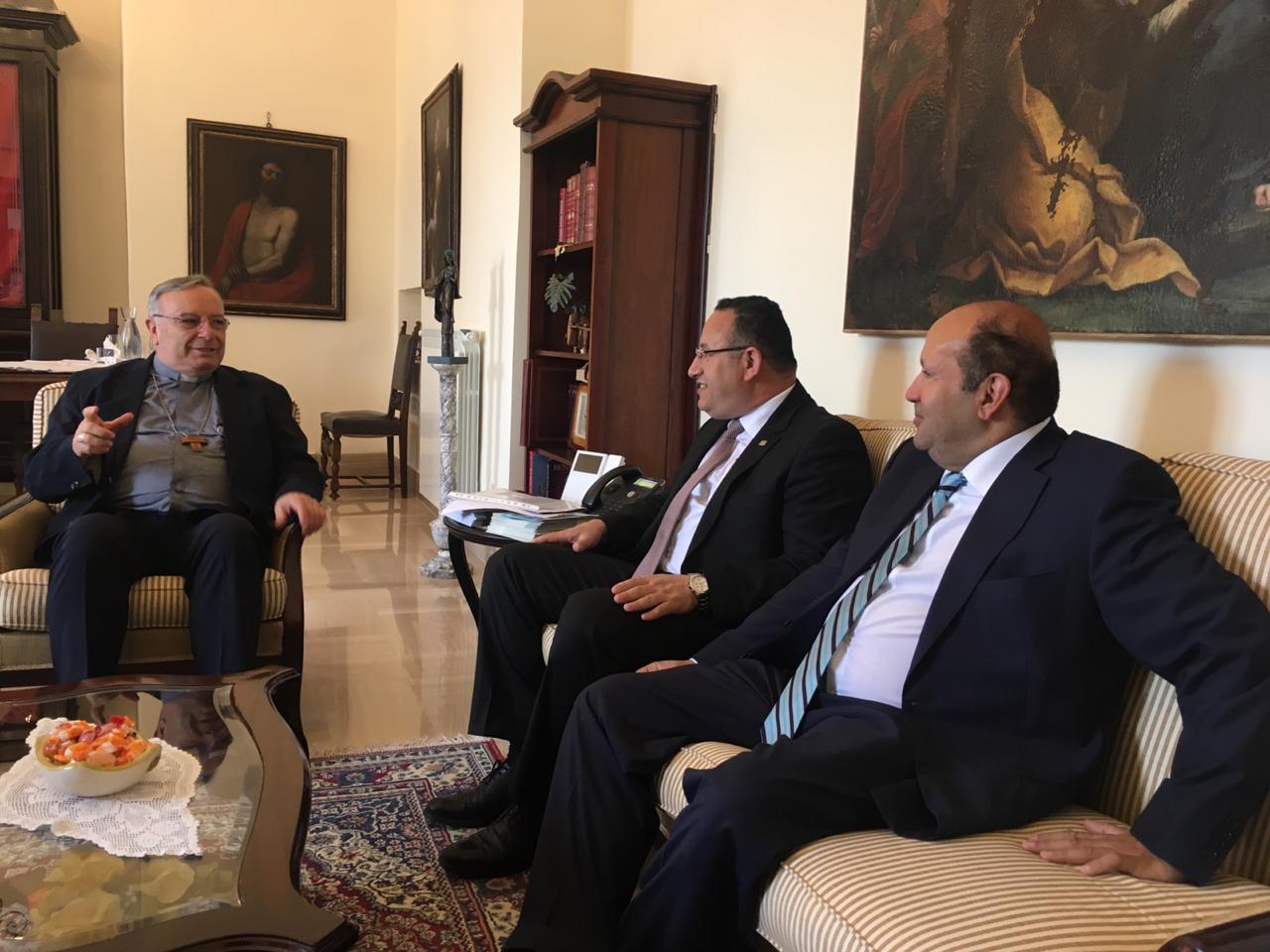 محافظ الإسكندرية يبحث إطلاق أول رحلة حجاج إيطاليين من جزيرة صقلية لمصر (5)