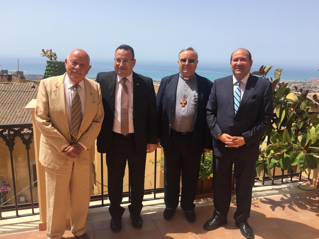 محافظ الإسكندرية يبحث إطلاق أول رحلة حجاج إيطاليين من جزيرة صقلية لمصر (6)