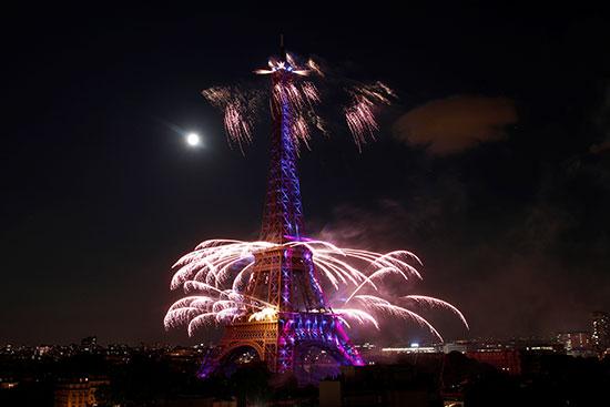الاحتفال بيوم الباستيل فى فرنسا