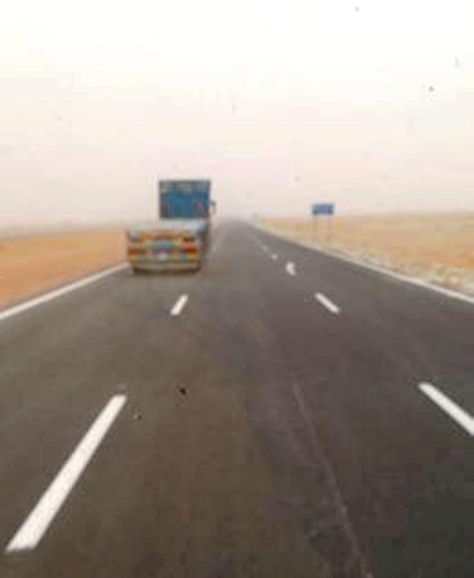 تزايد حركة السفر على محور الضبعة مع توافد المصطافين على مطروح والساحل الشمالي (6)