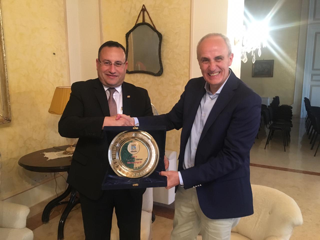 محافظ الإسكندرية مع محافظ  (6)