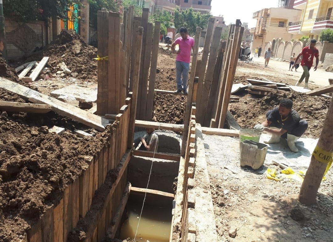 عودة العمل بمشروع الصرف بقرية شبرا ملس فى الغربية (1)