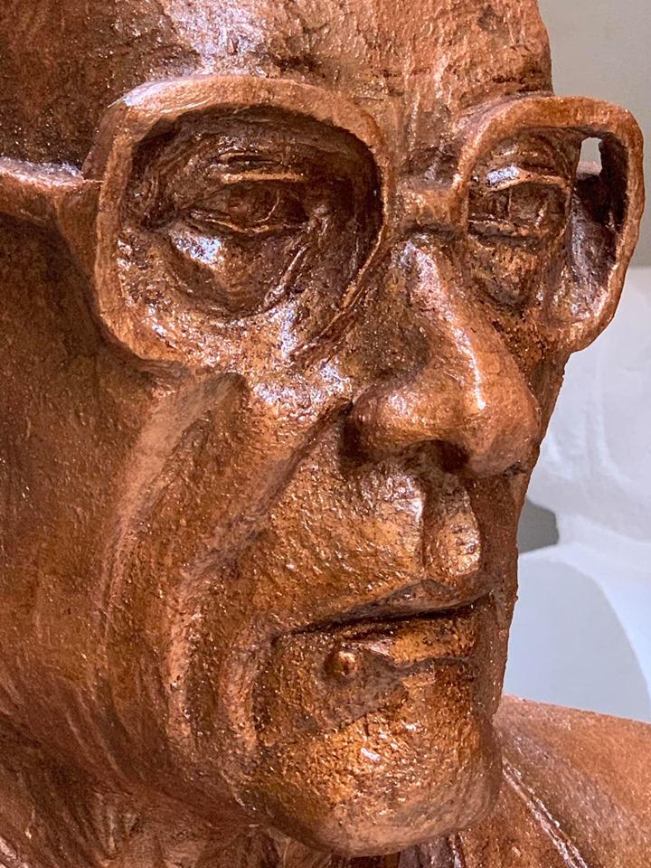 تمثال نجيب محفوظ (1)