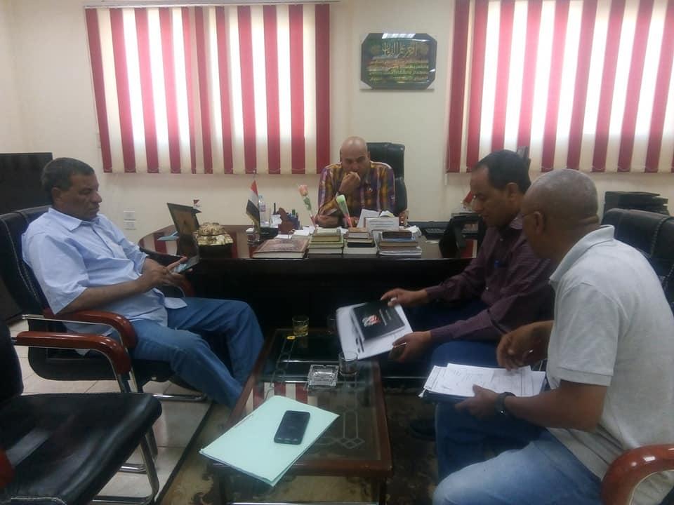 رئيس مدينة الطود يبحث إنهاء محطات الرفع للصرف الصحي مع رجال الهيئة والمقاولون العرب (1)
