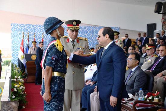الرئيس السيسي يشهد حفل تخريج الدفعة 157 (11)