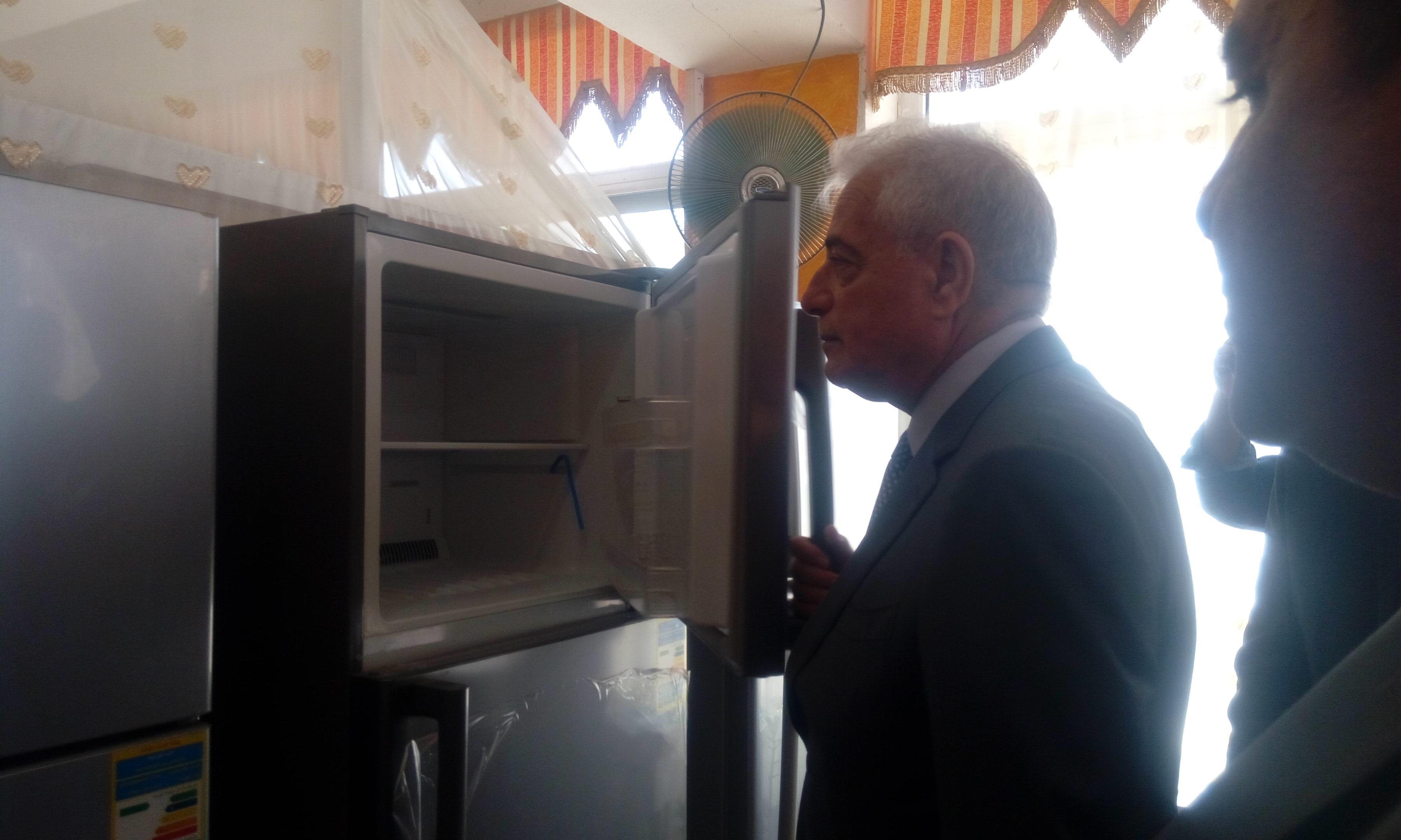 محافظ جنوب سيناء يفتتح معرض السلع المعمرة بطور سيناء (2)
