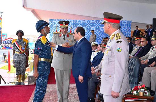 الرئيس السيسي يشهد حفل تخريج الدفعة 157 (6)