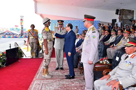 الرئيس السيسي يشهد حفل تخريج الدفعة 157 (9)