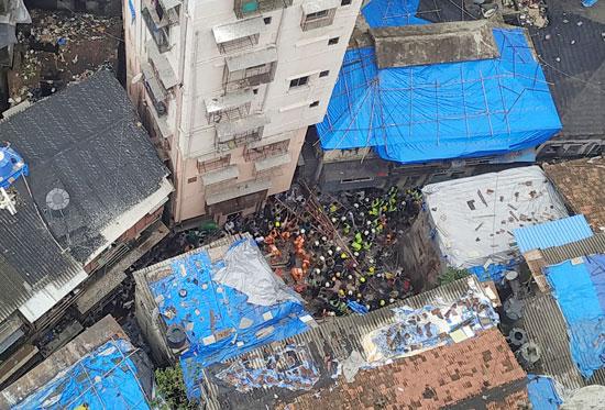 انهيار-مبنى-سكنى-فى-مومباى