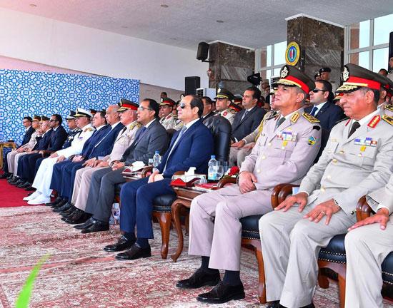 الرئيس السيسي يشهد حفل تخريج الدفعة 157 (8)