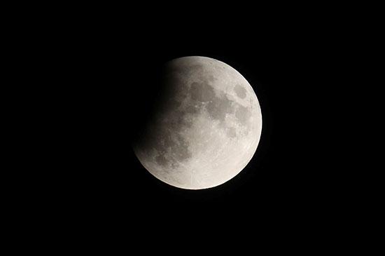 خسوف القمر فى سويسرا (1)