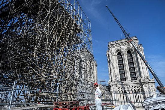 استمرار أعمال الترميم بكاتدرائية نوتردام بفرنسا بعد حريق (3)
