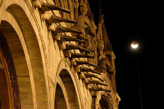 خسوف القمر فى إيطاليا (2)