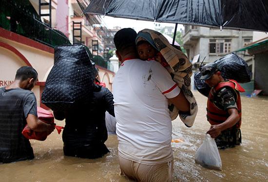 فيضانات نيبال (5)