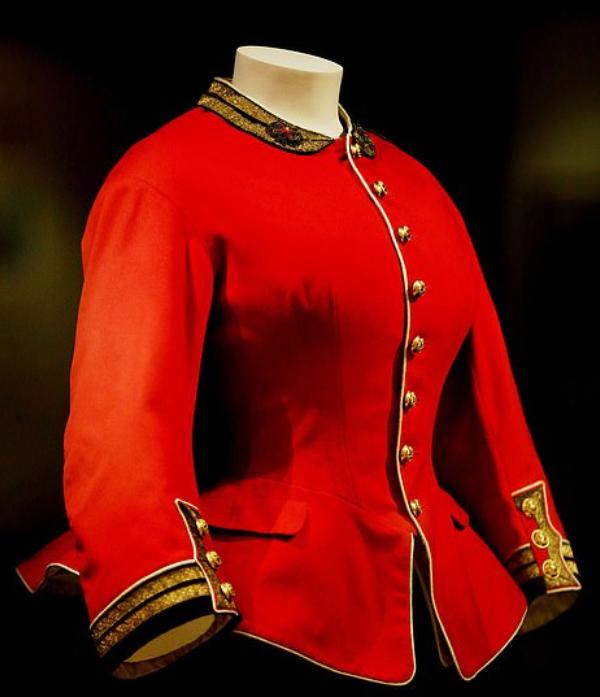 جاكيت عسكرى للملكة فيكتوريا