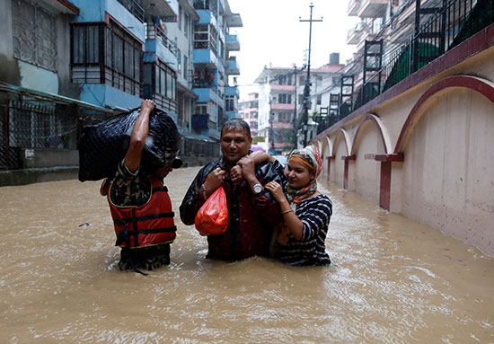 فيضانات نيبال (6)