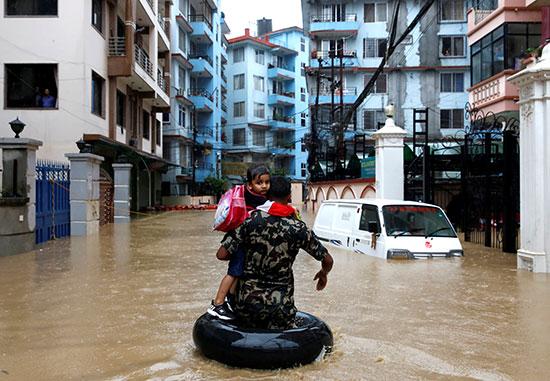 فيضانات نيبال (1)
