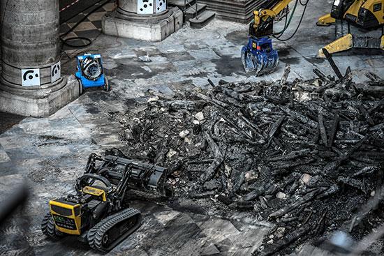 استمرار أعمال الترميم بكاتدرائية نوتردام بفرنسا بعد حريق (8)