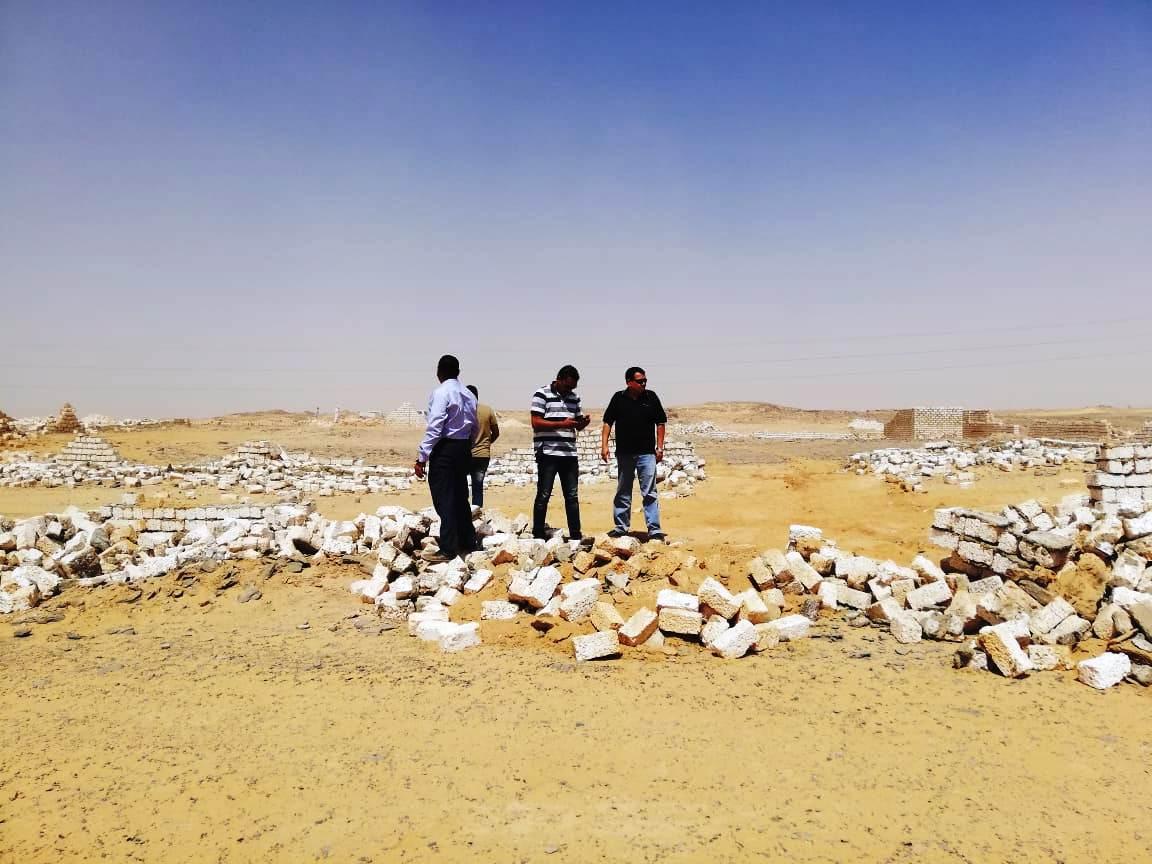 إزالة تعديات على مساحة 50 ألف متر مربع غرب أسوان (5)