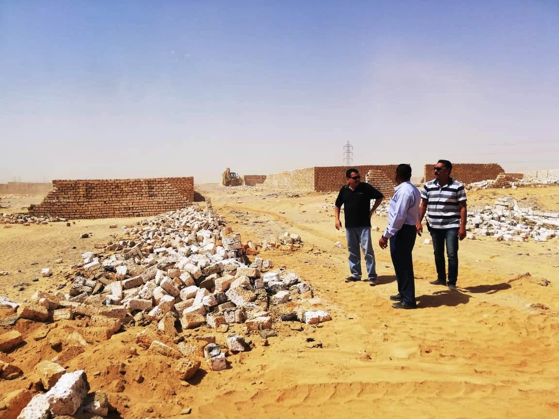 إزالة تعديات على مساحة 50 ألف متر مربع غرب أسوان (1)