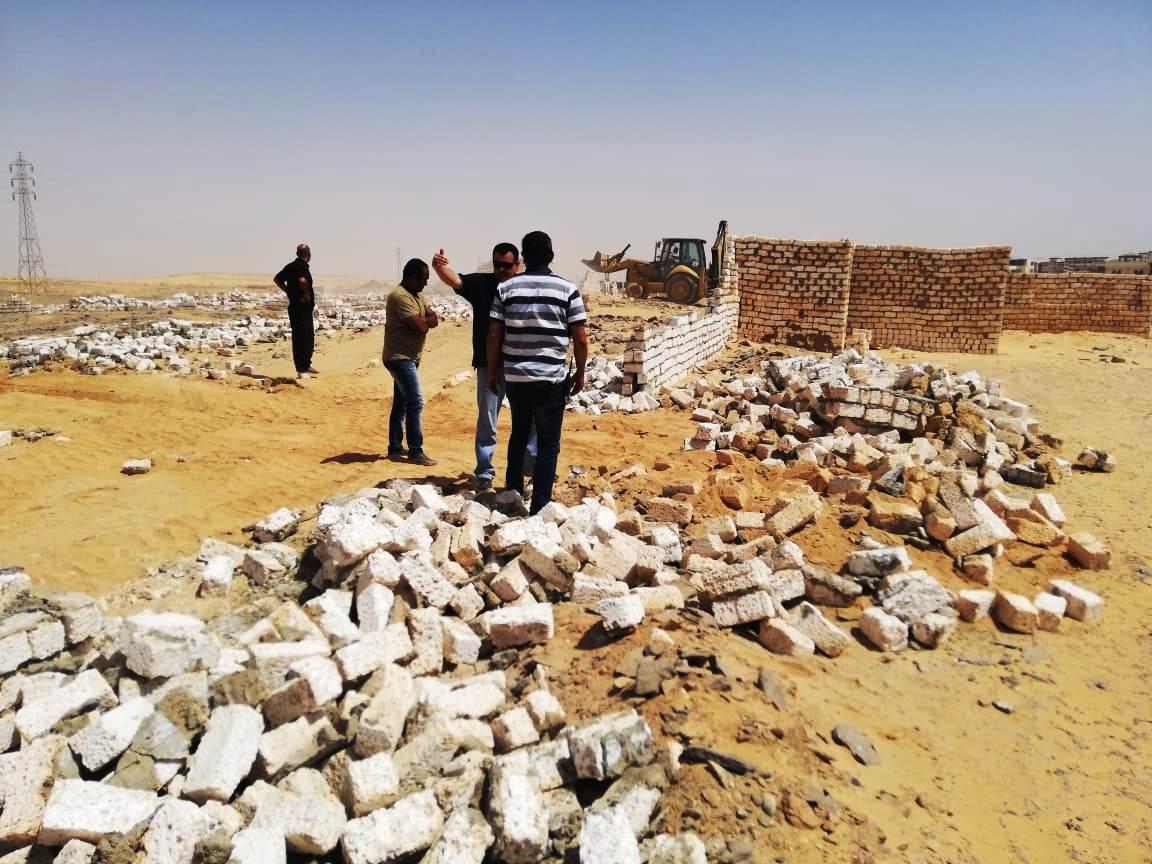 إزالة تعديات على مساحة 50 ألف متر مربع غرب أسوان (4)