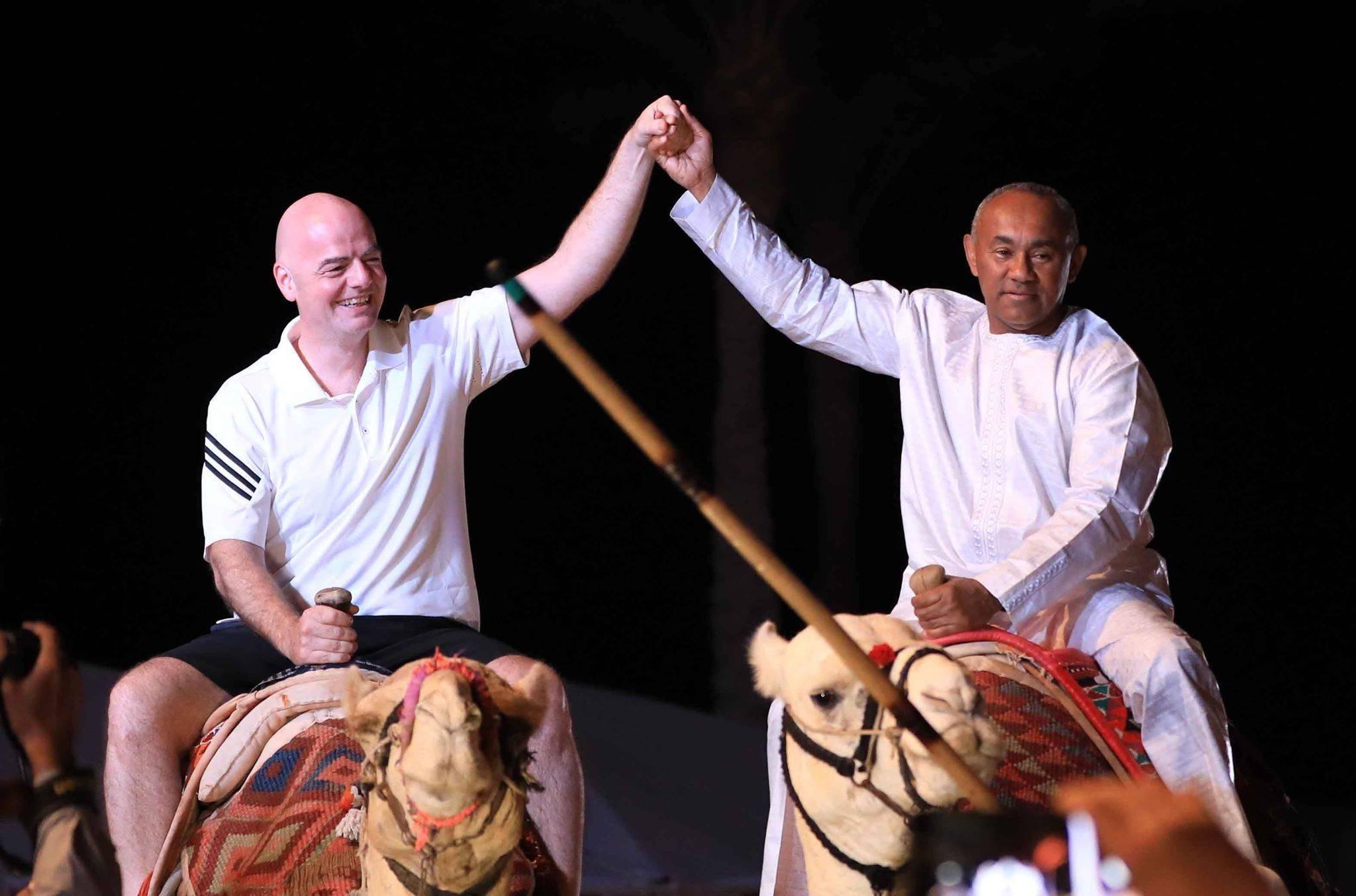 أحمد أحمد و رئيس الفيفا فى شرم الشيخ