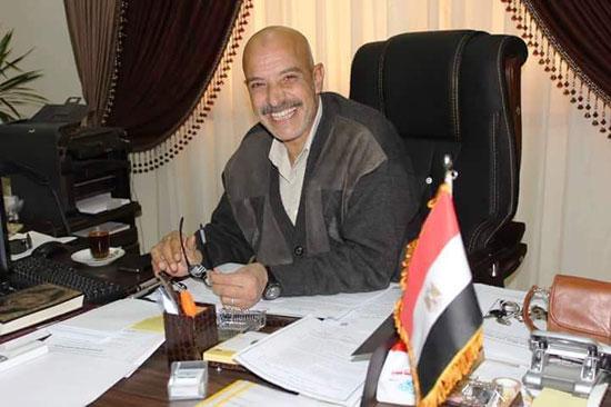 عادل-عبد-الفتاح-رئيس-حي-العرب