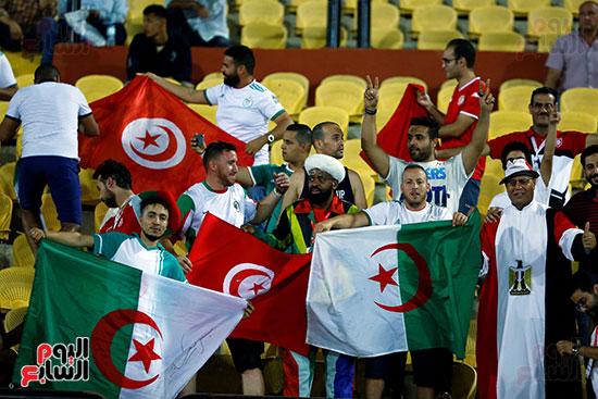 علم الجزائر وتونس ومصر