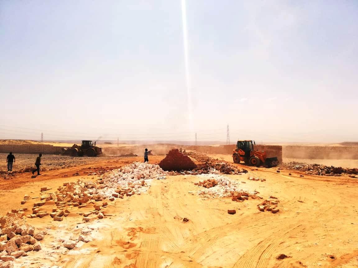 إزالة تعديات على مساحة 50 ألف متر مربع غرب أسوان (6)