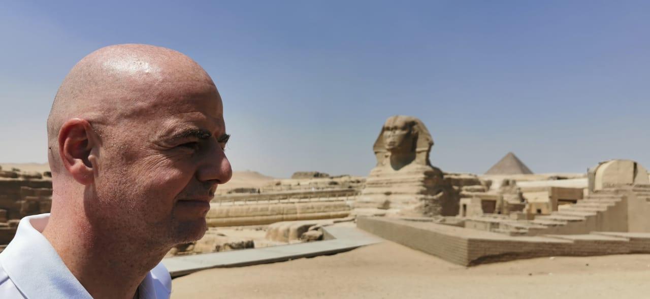 رئيس الفيفا فى الأهرامات (7)
