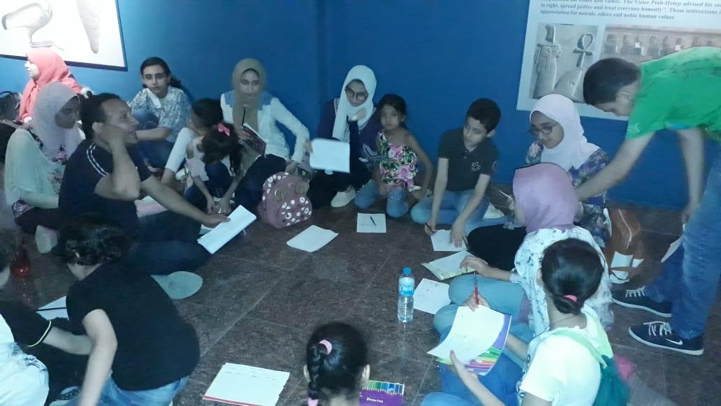 مشاركة الأطفال فى مبادرة اكتشف موهبتك بمتحف ملوى (1)