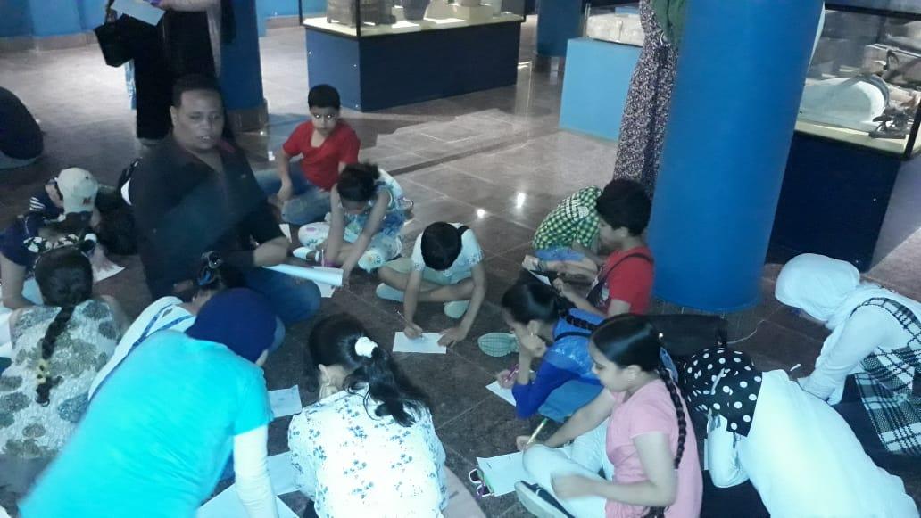 مشاركة الأطفال فى مبادرة اكتشف موهبتك بمتحف ملوى (2)