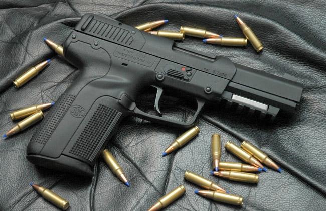 ضبط أسلحة نارية بمنزل مغربي بالدارالبيضاء
