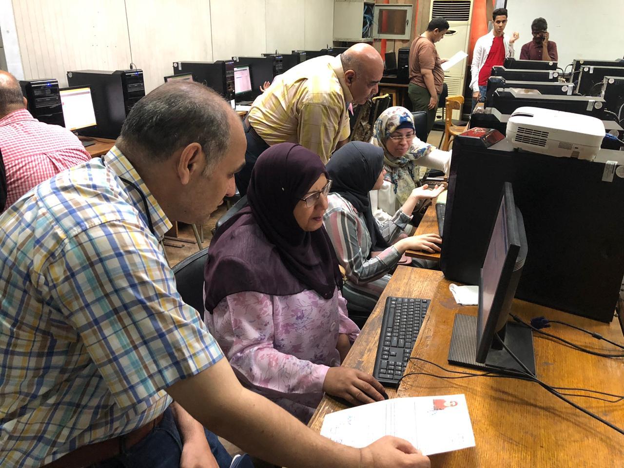 معامل الحاسب الآلى بالجامعات تبدأ استقبال طلاب المرحلة الأولى للتنسيق