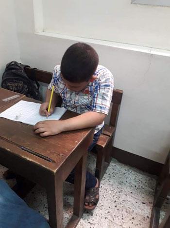 هل تتدخل التعليم لإنقاذ المدرسة الوحيدة تقبل الأطفال من سن 4 سنوات (13)
