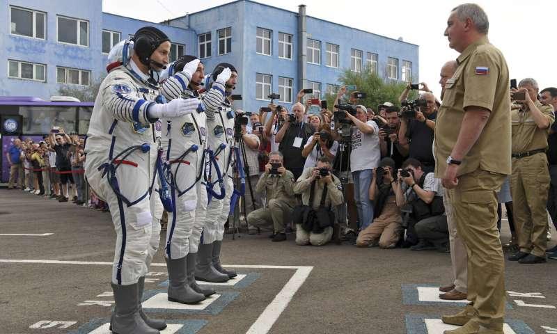رواد الفضاء قبل الاقلاع