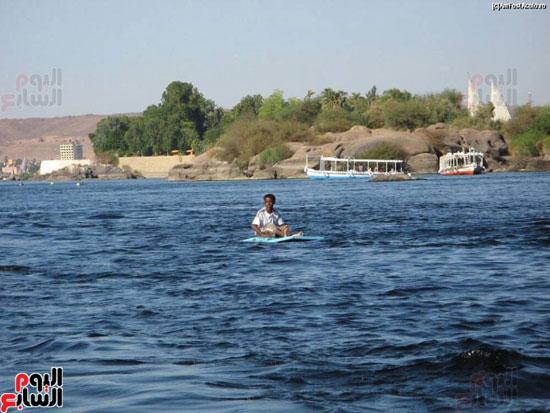 السباحة-فى-النيل-والترع-خلال-فصل-الصيف-بأسوان-(2)